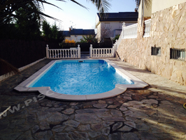 Nueva piscina de fibra