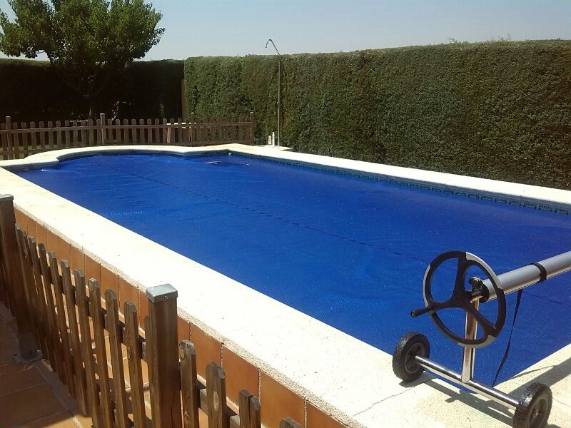 Piscinas spas fabricante de lonas for Lona impermeable para piscina